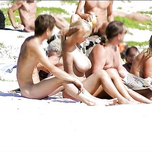 Topless busty 33 Celebrities