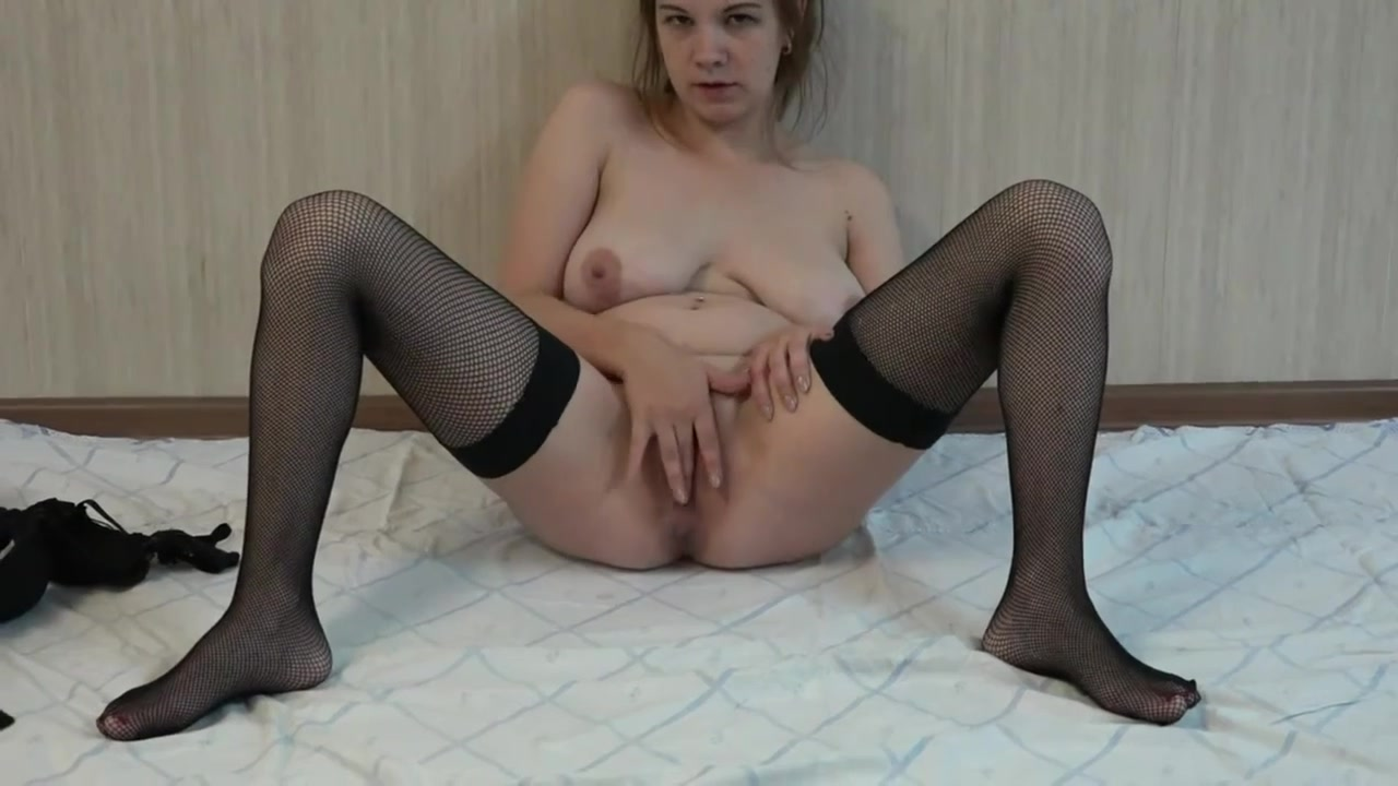 Amateur Masturbation in fishnets - big ass