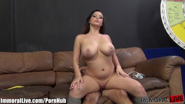 NATURAL TITS BOUNCING! Noelle Easton goes up and down on his prick!