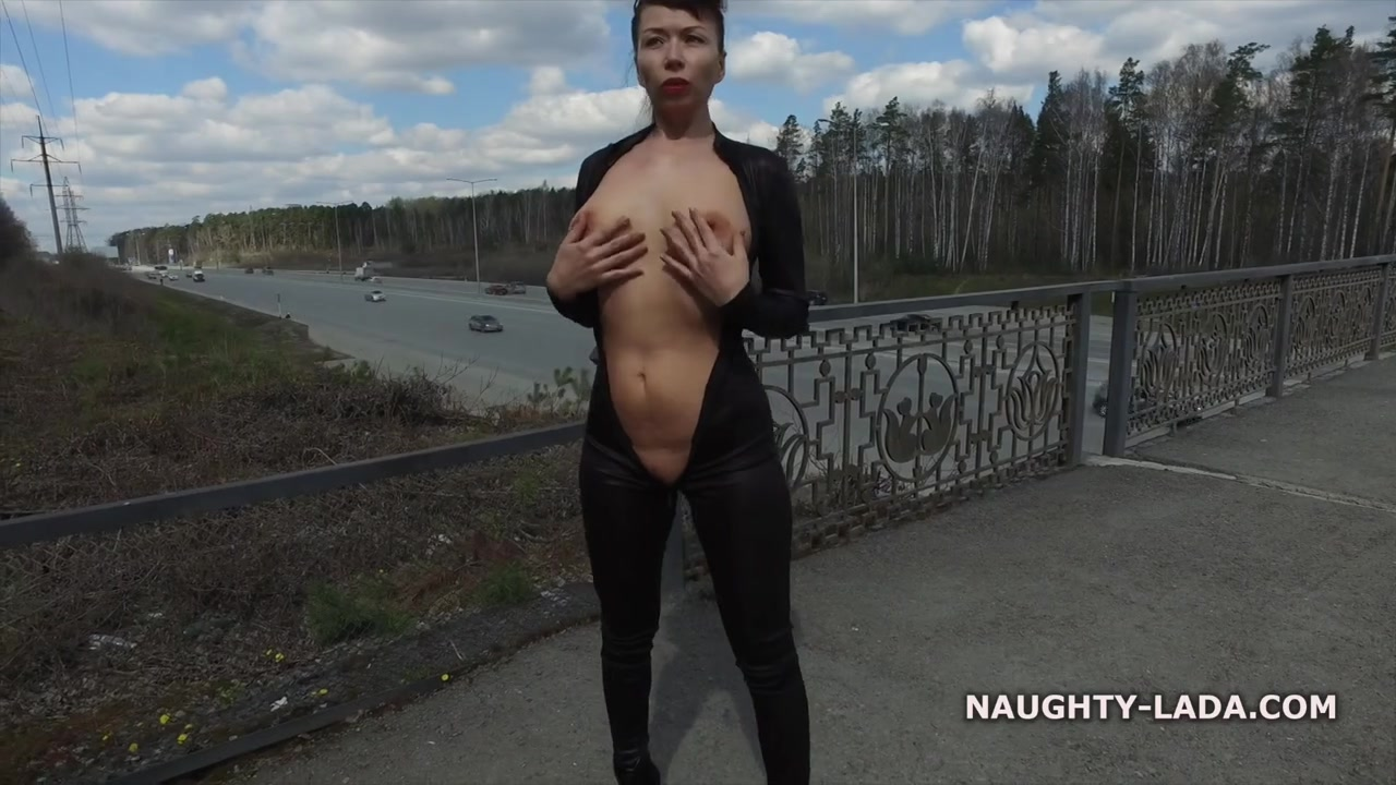 Exhibitionist mom in Black outfit - Big tits outdoors