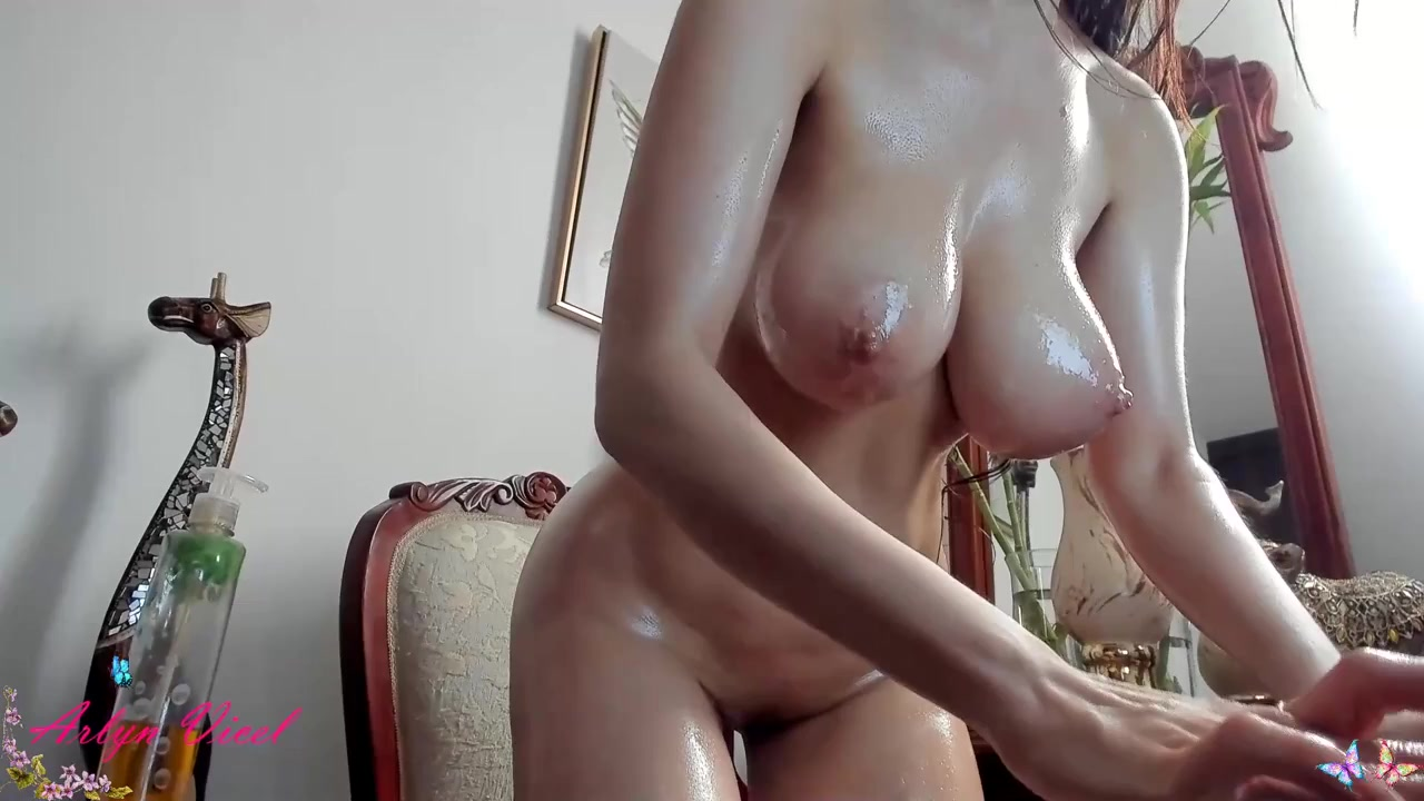 Cam slut with monster tits in oiled up dildo squirting show