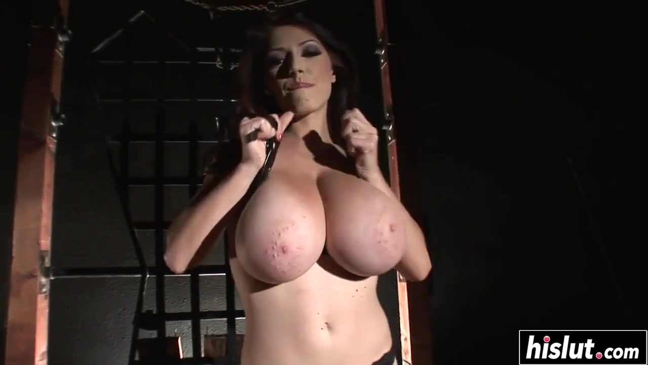 Architectured to fuck - Big natural tits in erotic solo