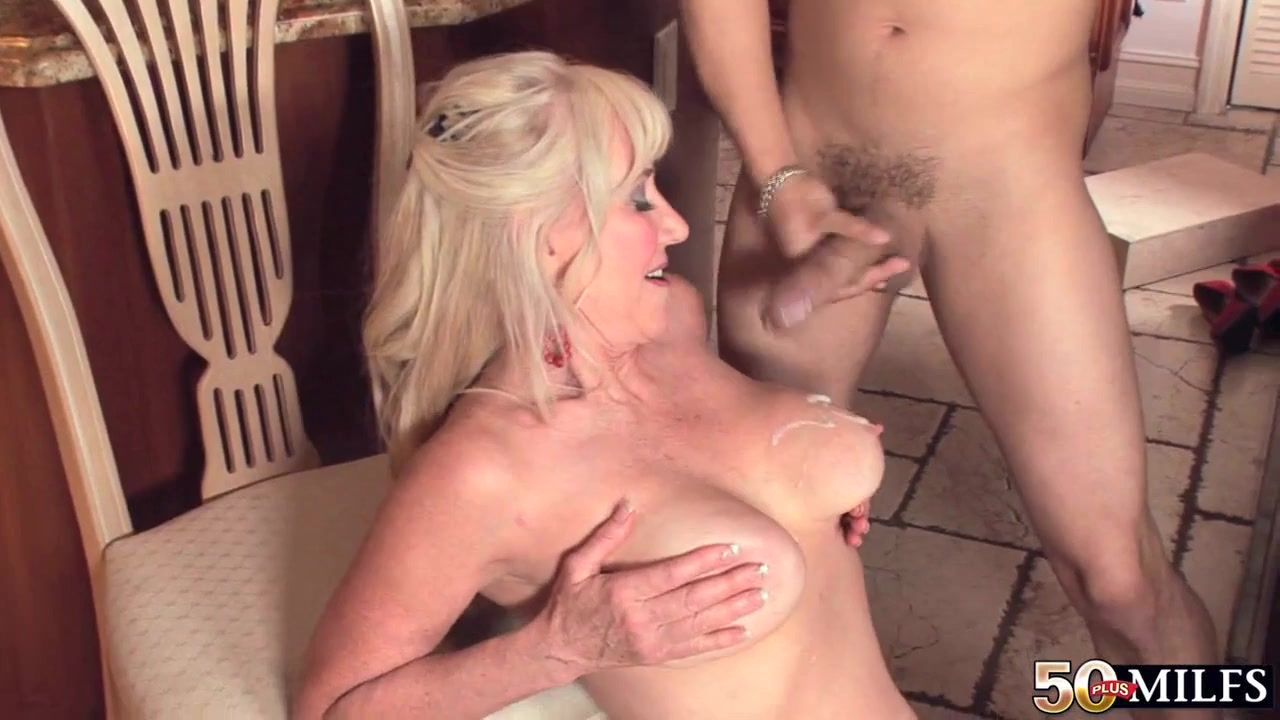 Milf housewife with big natural tits shagging in the kitchen