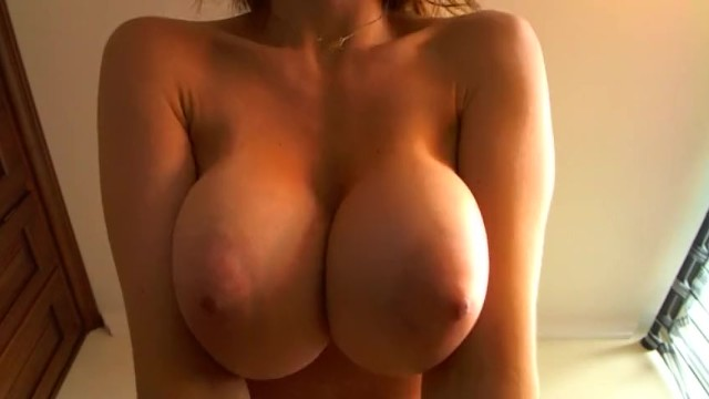 Super Horny Camgirl with Huge Natural Tits Teasing